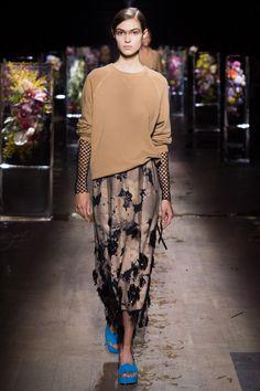 Dries Van Noten Spring 2017 Ready-to-Wear Fashion Show - Camille Hurel