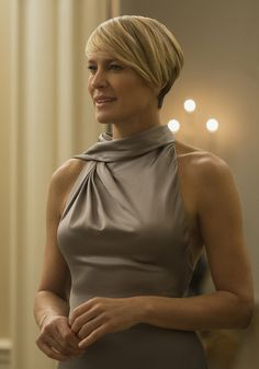 Claire Underwood, played by Robin Wright, in Ralph Lauren Collection fit for a Presidential evening