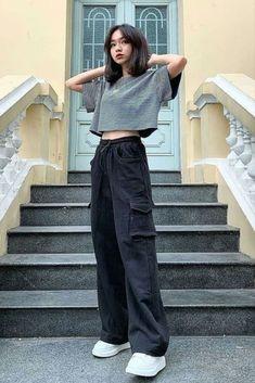 Korean Fashion Styles, Korean Outfit Street Styles, Korean Girl Fashion, Korean Street Fashion, Korean Outfits, Look Fashion, Ulzzang Fashion Summer, Korean Fashion Summer, Korea Fashion