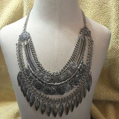 Feather Boho Necklace Beautiful and big since toned zinc alloy necklace! Sure to turn heads! Lots of detail. GORGEOUS! New in package. Jewelry Necklaces