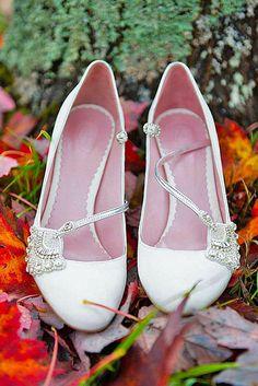 flat-wedding-shoes-luxlight-photography