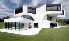 The Dupli Casa by J. Mayer H. provides a singularly unusual home for a vibrant family just outside of Luxembourg, Germany. #architecture