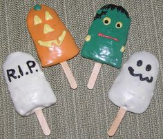 Halloween Cakesicles: Cake 'Popsicles' Dipped in Chocolate