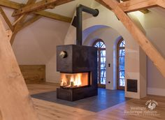 Moderner Panoramakamin #Panoramakamin #Ofen #Heizkamin #Kamin #fireplace #Riederinger Hafnerei #Vereinigte Riederinger Hafnerei #Ofenkunst #Wärme #modern #Design #Bayern #Rosenheim #München  www.Ofenkunst.de