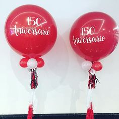 Entregando globos gigantes con rótulo digital!  Decorando fechas importantes #diloconglobos #yosoydettaglios #dettaglios #globos #globogigante Wine Glass, Christmas Bulbs, Holiday Decor, Instagram, Tableware, Home Decor, Giant Balloons, Important Dates, Dinnerware