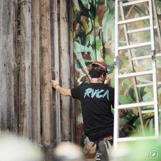 #Repost @rvcabrasil . . @rafaelsliks em ação no novo escritório da @rvcabrasil em São Paulo || @lucasandradesb || @rvca @rvcabrasil