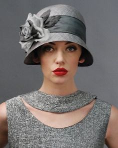 I could just die! This is perfet for my dress! cloche hat 1920s vintage style by aspherical121
