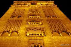 La #Giralda | #Sevillahoy en #tapasconarte