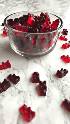 Wine Filled Gummy Bear Treats Great for Holidays and Events. Quick and easy to prepare. The gummy bears are molded in the fridge for 20 minutes! Wine Tasting Party, Wine Parties, Night Snacks, Party Snacks, Party Treats, Cork, Filled Candy, Wine Night, Party