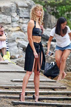 Karlie Kloss sports wavy locks during photo shoot in Bondi Beach #dailymail