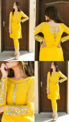 Pakistani Fashion Party Wear, Indian Fashion Dresses, Indian Designer Outfits, Dress Indian Style, Indian Designers, Designer Punjabi Suits, Designer Sarees, Simple Kurti Designs, Kurti Neck Designs
