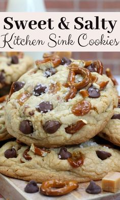 This Kitchen Sink Cookies recipe brings together everything you love, soft cookies, pretzels, caramel and chocolate chips and then topped with sea salt. Crinkle Cookies, Pretzel Cookies, Chip Cookies, Snowball Cookies, Caramel Cookies, Candy Cookies, Homemade Cookies, Yummy Cookies, Salted Cookies Recipe