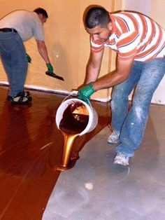 This Man Pours A Buckets Of Metallic Epoxy. What He Creates? The Most Amazing Fl… This Man Pours A Buckets Of Metallic Epoxy. What He Creates? The Most Amazing Floor Ever! Best Flooring, Basement Flooring, Living Room Flooring, Diy Flooring, Basement Furniture, Flooring Ideas, Unique Flooring, Kid Furniture, Laminate Flooring