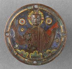Plaque d'applique ronde : Christ bénissant D'INVENTAIRECL14695FONDSObjets D'artDESCRIPTION:1er quart 13e siècle