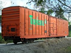 Former Tropicana refrigerated box car, shortly after being donated to the Florida Gulf Coast Railroad Museum — Palmetto, Florida. Rolling Stock, Train Car, Model Trains, Refrigerator, Shed, Outdoor Structures, American, Cars, Palmetto Florida