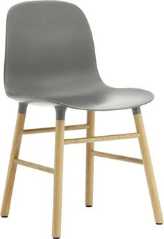 Eettafelstoel voor aan iedere eettafel. Met plastice zitschaal en Eiken houten poten, de stoel is één geheel. Van het merk Normann Copenhagen.