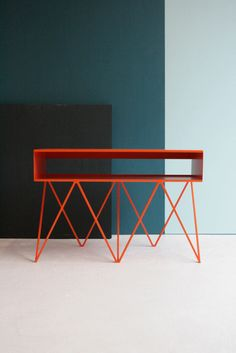 New: Modern, Minimalist Furniture Made of Steel (via formfreundlich.de)