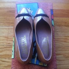 F-Troupe Bow Ballet Flat leather flat F-Troupe leather flats with a small black bow detail. Used once before and in great shape. Comes with the original box. f-troupe Shoes