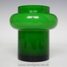 Alsterfors green glass vase by Per-Olof Strom The Color Of Money, Kosta Boda, Lassi, Mid Century Modern Design, Green Colors, Mid-century Modern, Vintage Items, Glass Vase, Flora