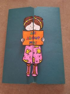 All About Me lapbook and booklet-back to school All About Me Project, All About Me Crafts, Beginning Of School, First Day Of School, Back To School, Happy Teachers Day Card, Teacher Cards, All About Me Booklet, Human Body Crafts