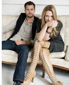 Joshua Jackson & Anna Torv (Peter Bishop & Olivia Dunham) from Fringe. Love love love.
