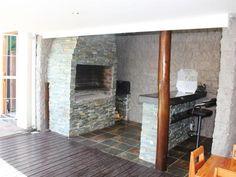 Braai area and bar Indoor Bar, 2 Bedroom House, Barbacoa, East London, Kitchen Countertops, Fireplaces, Outdoor Living, House Ideas, Corner