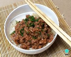 Learn how to make korean Ground Beef and Rice with this delicious and easy recipe. Korean Ground Beef, Easy Rice Recipes, Beef And Rice, Le Chef, Rice Dishes, Easy Meals, Vegetarian, Yummy Food, Stuffed Peppers
