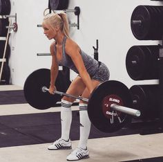 I'm going to explain you why the deadlift is a must do exercise,and how to do it right. Girls,read very carefully,because this is a body changing exercise.
