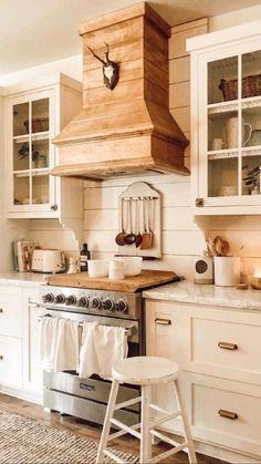 Kitchen Redo, Home Decor Kitchen, Kitchen Interior, New Kitchen, Kitchen Ideas, French Country Kitchen Decor, Cottage Kitchen Inspiration, Shaker Style Kitchen Cabinets, Wood Kitchen Island