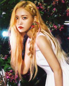 """Red Velvet """"The Red Summer"""" Photo (official merchandise SCAN) Seulgi, Red Velvet イェリ, Red Velvet Irene, Kpop Girl Groups, Korean Girl Groups, Kpop Girls, Park Sooyoung, Kim Young, Oppa Gangnam Style"""
