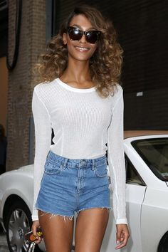 The best beauty looks including Rihanna, Lady Gaga, and more. Skinny Celebrities, Celebs, Jordan Dunn, Black Supermodels, Summer Outfits, Cute Outfits, Hair Color For Black Hair, Hair Colour, Model Street Style
