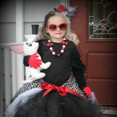 Coolest homemade 101 dalmatians and cruella deville costume ideas diy cruella deville costume diva solutioingenieria Image collections