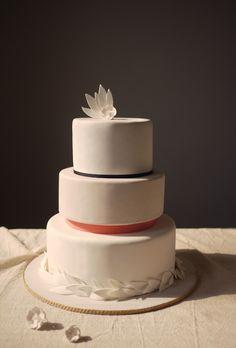 simplicity itself - white wedding cake goes modern