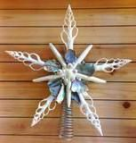 Tree Topper Shell Star Have a seaside holiday! These hand made Christmas Tree Toppers are made of white sea stars, sliced white spindle shells, and sea urchin spines, and are jeweled with pieces of ab Coastal Christmas Decor, Nautical Christmas, Beach Christmas, Christmas Love, Christmas Crafts, Christmas Decorations, Christmas Ornaments, Christmas Things, Xmas