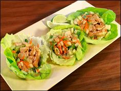 Thai Chicken Lettuce Cups, 5 Points (green leaf lettuce, boneless skinless lean chicken breast, cucumber, scallions, carrot, Thai peanut salad dressing or sauce like the one by Litehouse, seasoned rice vinegar, cilantro, garlic powder, red pepper flakes)