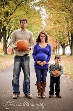 maternity, family, pumpkins Family Photos With Baby, Fall Family Photos, Fall Maternity Pictures, Maternity Pics, Best Acne Treatment, Pop Culture Halloween Costume, Maternity Photography, Photography Ideas, Pregnancy Photos