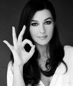 Monica show her hole size 👌 Beautiful Celebrities, Beautiful Actresses, Most Beautiful Women, Simply Beautiful, Beautiful Images, Monica Bellucci Photo, Monica Belluci, Bond Girls, Timeless Beauty