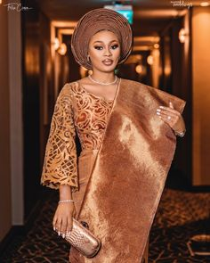 The bride, Olasunkanmi of Lavish by Michelle Events had stunning looks and outfits for her wedding.She nailed her three looks back to back Lace Dress Styles, African Lace Dresses, Latest African Fashion Dresses, African Traditional Wedding Dress, Traditional Wedding Attire, Traditional Dresses, African Wedding Attire, African Attire, Nigerian Lace Styles