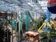 5 Places to Visit in Minnesota - A fun place to visit. Many stores, restaurants and a place for many rides in middle of mall (note picture). It has 4 floors - top is where you watch movies.