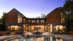 This $22.5 Million Los Angeles Home Has a Fire Pit in the Pool – Robb Report
