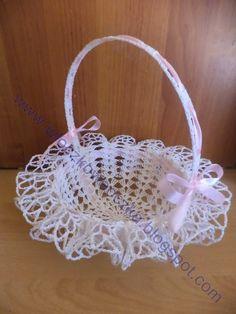 Włóczkowe oczka: koszyczki wielkanocne Beading Patterns Free, Free Pattern, Free Crochet, Crochet Hats, Crochet Beach Dress, Crochet Placemats, Crochet Basket Pattern, Christmas Crochet Patterns, Crochet Basics
