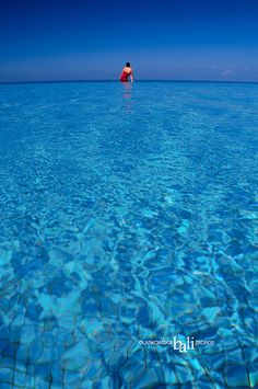 Infinity Pool by Daniel Laskowski & Luiza, via Flickr