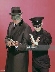"""""""Van Williams and Bruce Lee as The Green Hornet and Kato. Britt Reid fought crime as The Green Hornet. He was the great-nephew of the Lone Ranger, John Reid. Bruce Lee, Photo Vintage, Vintage Tv, Christopher Eccleston, Arnold Et Willy, Top Des Series, Mejores Series Tv, Green Hornet, Movies And Series"""