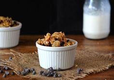Quinoa, Almond and Chocolate Chip Granola
