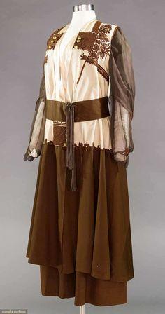 WOOL DRESS 1915-1920