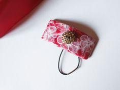 Barrette rectangulaire, rouge, en pâte polymère, avec élastique : Accessoires coiffure par lisartbijoux