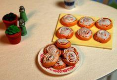 Miniature Breakfast Cinnamon Bun (playscale 1:6 scale diorama play mini for fashion/teen dolls)