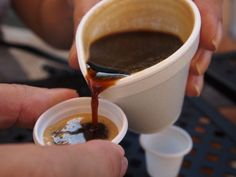Besides being tasty, this coffee will speed up your metabolism and weight will disappear. Cuban Recipes, Keto Recipes, Cooking Recipes, Café Cubano, My Favorite Food, Favorite Recipes, Cuban Coffee, Cuban Cuisine, Yummy Food
