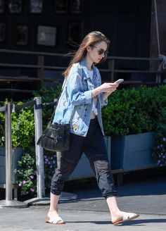 Out and About in Los Angeles (April - 005 - Miss Lily Collins - Gallery Celebrity Casual Outfits, Girly Outfits, Stylish Outfits, Celebrity Style, Moda Fashion, Girl Fashion, Western Dresses For Girl, Lily Collins Style, Chic Fashionista