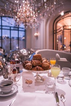 Hotel Plaza Athénée, located in the heart of the French capital, is the most splendid expression of the luxurious Paris lifestyle. Aesthetic Food, Classy Aesthetic, Breakfast Hotel, Breakfast In Paris, Breakfast Ideas, Bar Restaurant Design, Restaurant Poster, Restaurant Restaurant, Hotel Plaza